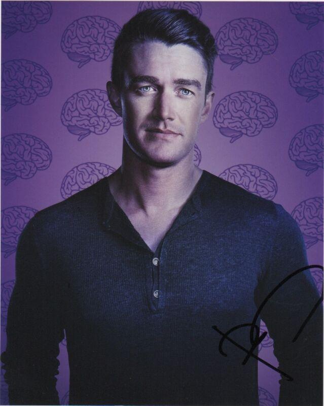 Robert Buckley iZombie Autographed Signed 8x10 Photo COA