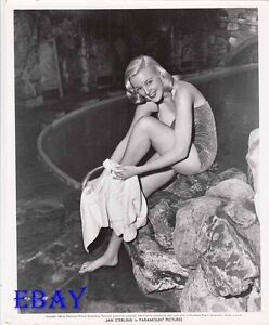 Jan Sterling leggy barefoot VINTAGE Photo circa 1950