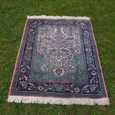 schöner  Teppich - Seidenteppich - 150cm x 100 cm
