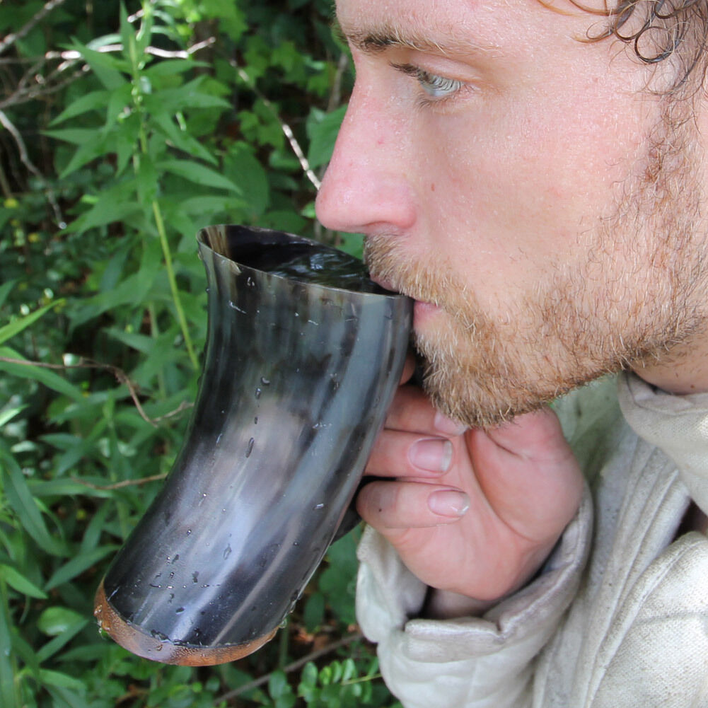 Natural Medieval Viking Dining Bovine Horn Beer Ale Drinking Cup Mug with Handle