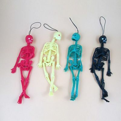 Funny Car Hand On Toy Keyring Key Chain Toy Skull Skeleton Home Decor Hanging  ()