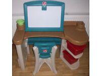 Art Folding Step2 Studio Desk & Chair.