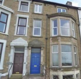 NEWLY REFURBISHED 1 BED FLAT. NEAR TOWN CENTRE.