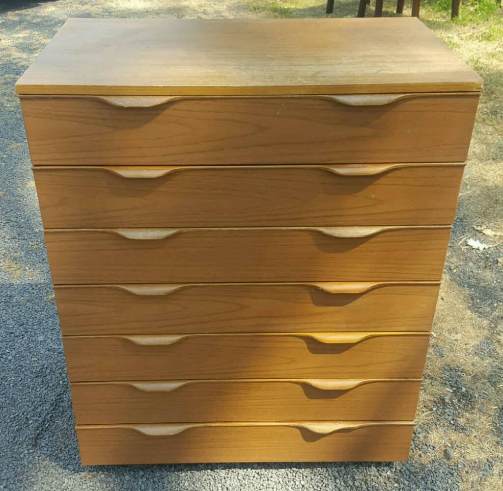 Solid wood large chest of drawers