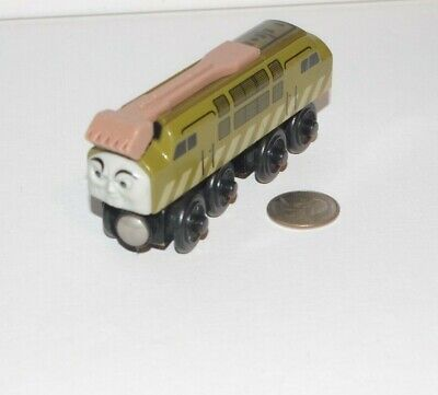 Thomas & Friends Wooden Railway Train Tank Engine Diesel 10 w/ Sliding Claw 2003