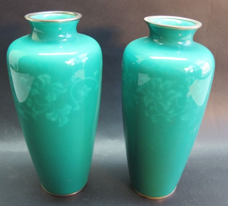 """Fine Pair Of Signed Ando 8.5"""" Japanese Wireless Cloisonne Vases  C. 1950s  Mint"""