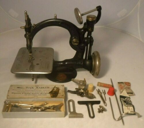 Antique 1871 Willcox & Gibbs Chain Stitch Sewing Machine w/ Extras WORKS NICE **
