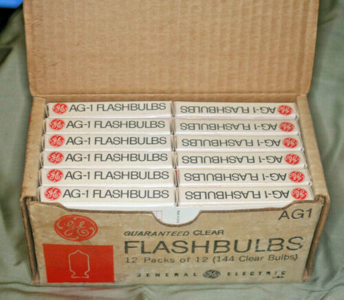 GE Flashbulbs Full Box 144 AG1. New/Old Stock. 1960