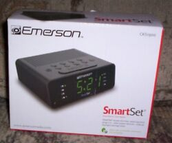 NEW Emerson SMART SET  Dual ALARM Clock RADIO