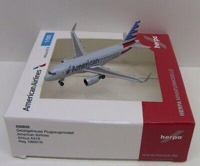 - Herpa Wings American Airlines Airbus A319 Registration N8001N 1/500 HE530835