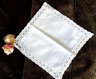 Elegantes weißes Einstecktuch Pochette feinste Baumwolle breiter Spitzenrand TOP