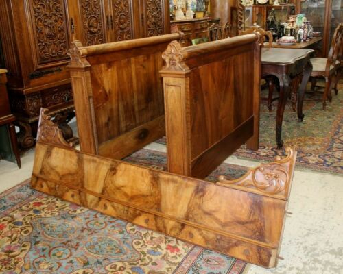 French Antique Carved Burled Walnut Louis Phillipe Day Bed