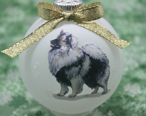 D034 Hand-made Christmas Ornament dog - Keeshond - happy standing profile