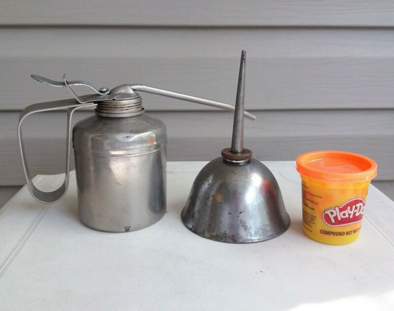 Vintage Eagle, Made in USA Thumb Press Oiler  Pump Oiler Oil Can Squirter Lot