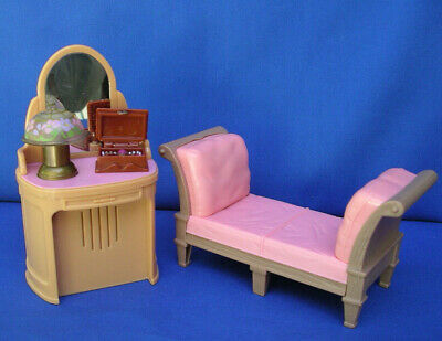 Fisher Price Loving Family Doll house Furniture bedroom Vanity lamp/music Lot