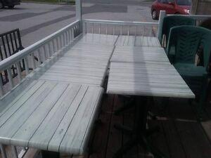 12 tables exterieur 125$ nego