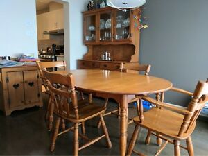 Dining Room Set Including Hutch And Buffet 4 ChairsRoxton Kijiji Free Classifieds In Ontario Find A