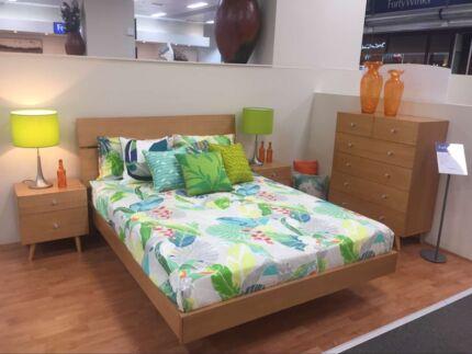 Queen bedroom 4pcs with mattress