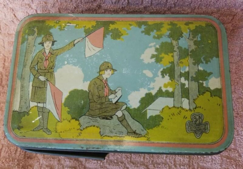 Girl Scout VINTAGE tin litho lunch box with handle