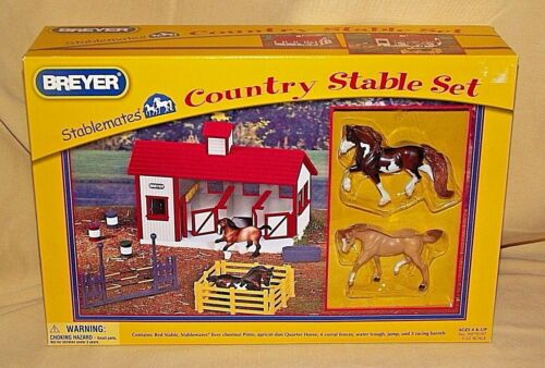 BREYER STABLEMATES COUNTRY STABLE SET NEW 2010 HORSES FENCE 9979197 1:32 SCALE*