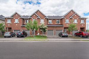 AVAILABLE Dec 15! 4 Bedroom Townhome in Gloucester