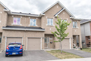 AVAILABLE Nov 15!4 Bedroom Townhome in Gloucester