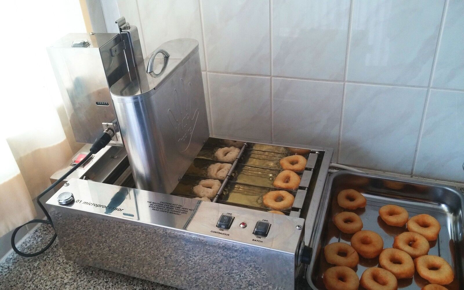 1150 donuts p s vollautomatische profi mini donut maschine donutmaker eu eur. Black Bedroom Furniture Sets. Home Design Ideas