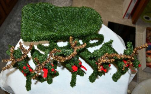 VINTAGE BRUSH TREE STYLE SANTA SLEIGH & 5 RED NOSE REINDEER, DEER FIGURE DISPLAY