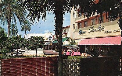VTG POSTCARD LINCOLN ROAD SHOPPING MALL CHANDLERS TROLLEYS MIAMI BEACH FL (Lincoln Shopping Mall)
