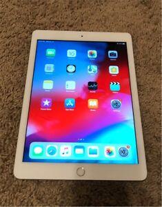 iPad 32GB Silver