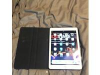 Apple iPad 5th Gen / 128GB / WiFi