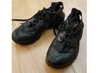 Nike Air Hurrache size 11 UK Triple Black