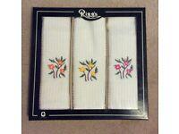 Boxed set of 3 Tea Towels