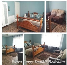 Extra large double room available- all bills included -----