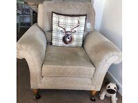 Settee & chair