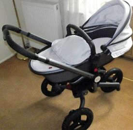 Silver Cross - Pram/Pushchair/Buggy/Carry Cot