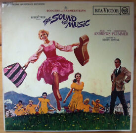 Rodgers & Hammersteins The Sound Of Music-Julie Andrews mono LP,record,vinyl 1965 + book. £8 ovno