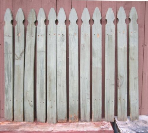 Lot 12 Vintage Picket Fence Wood Boards Faded Green selling 12 Boards Pictured  - $57.99