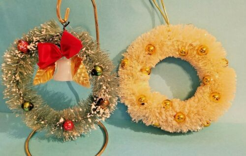 """2 VINTAGE  BRUSH CHRISTMAS WREATHS - 1 GREEN 1 WHITE - 4"""" ACROSS DECORATED"""