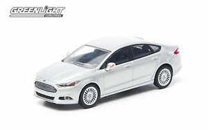 GREENLIGHT COLLECTIBLES 1:43 SCALE INGOT SILVER 2013 FORD FUSION