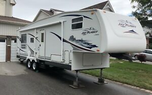 2007 Jayco 30.5 RLS 5th Wheel Trailer