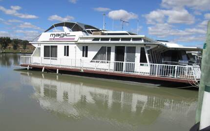 Easter Houseboat Holiday