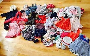 Lot vêtement Bébé fille 60$ pour 134 items