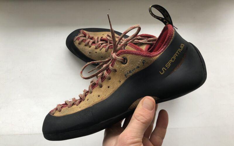 la sportiva climbing shoes size 38