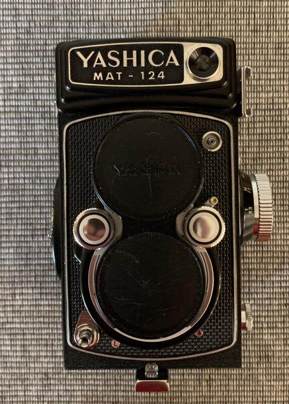 Vintage Yashica MAT-124 Medium Format Twin Lens Reflective Camera