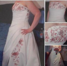 For sale wedding dress size 14 open to offers