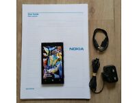 Nokia Lumia 925 Windows 8.1 Phone, 16 GB, Mint Condition + Charger