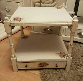 Side table shabby chic roses