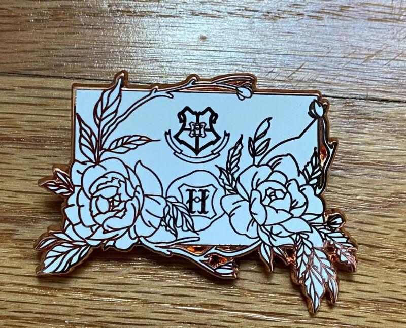 Harry Potter Hogwarts Letter White and Rose Gold Variant LE35 Pin B Grade