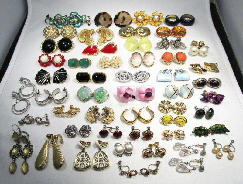 Vintage Lot Costume Jewelry Earrings 50 Pairs C2683
